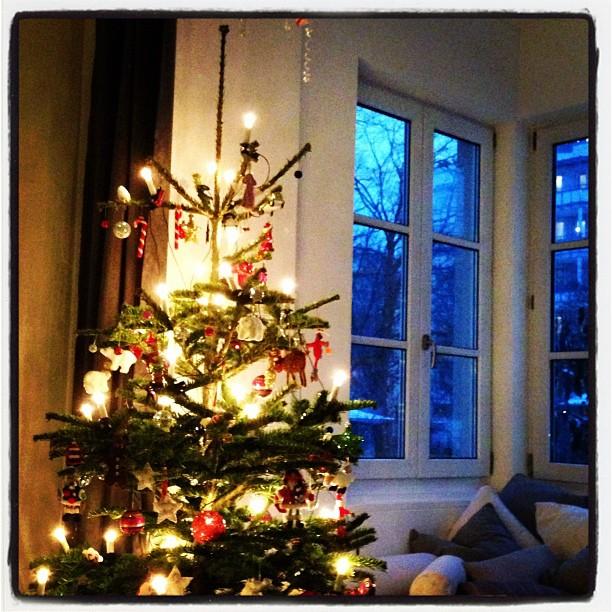 Schöner zweiter Advent... #schnee #christbaum #plätzchen