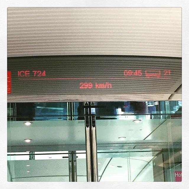 Mit 299 km/h gehts nach #Frankfurt ????