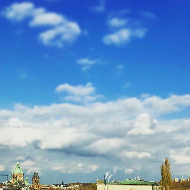 Blue sky over #Munich #latergram