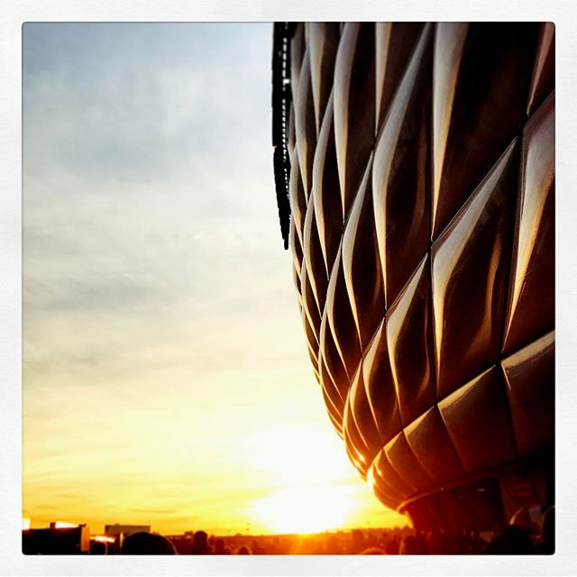 Das Ende eines schönen Fußball-Nachmittags beim @fcbayern #fcbhsv #achtzunull