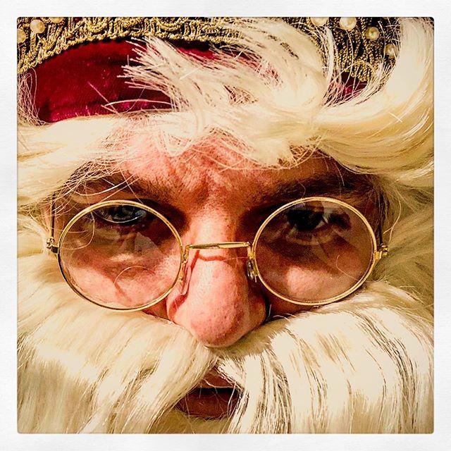 Ja Sacklzement, warum funktioniert jetzt des #FaceID nimma? #DressRehearsal #Nikolaus #BegehbarerAdventskalender