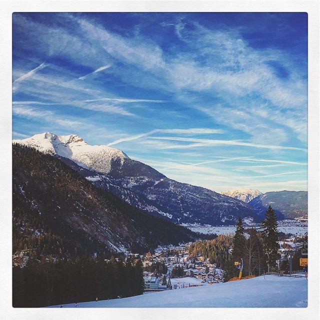 Erster Skitag diese Saison und erster Skitag überhaupt für K3... Schön wars!#Ski #Biberwier #Zugspitze #Tirol  ?