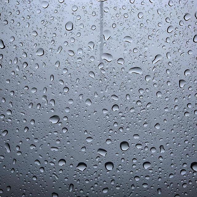 #Seilbahn im #Regen #WhatAView #Wendelstein #Bayern #Raindrops